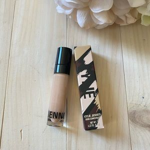 Kylie Cosmetics Skin Concealer Bone NIB